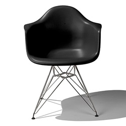 Herman Miller(ハーマンミラー) Eames Shell Chair / Armchair(DAR) ブラック【取寄品】[267DAR47ZAE8]